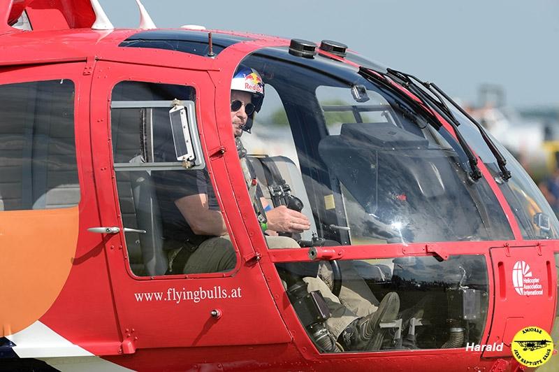 BO105 Flyng Bulls (R. Wilke)_05.jpg