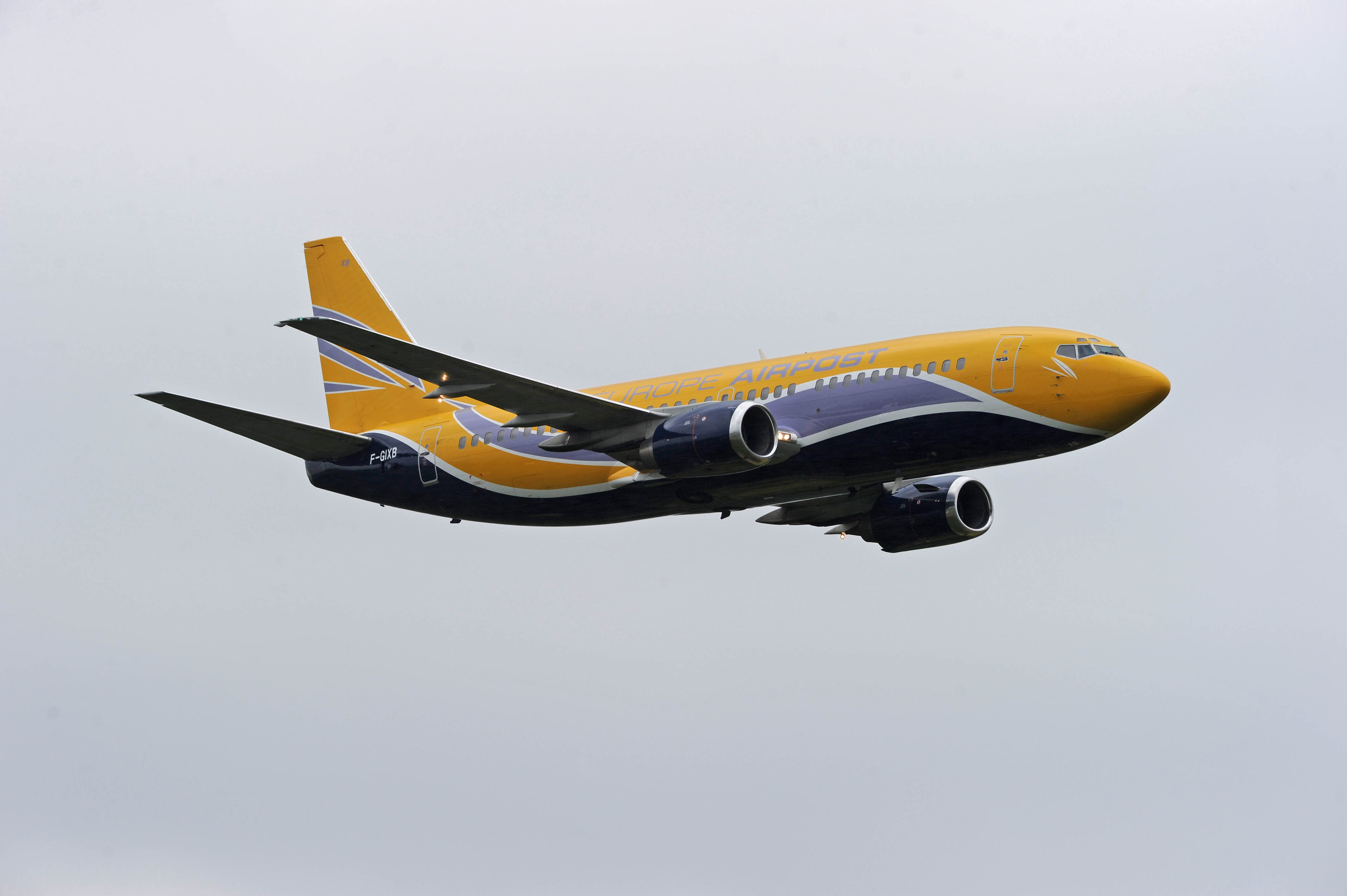 boeing-737-airpost_01