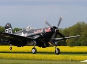 f4u-4-red-bull_goujon_atterrissage_04