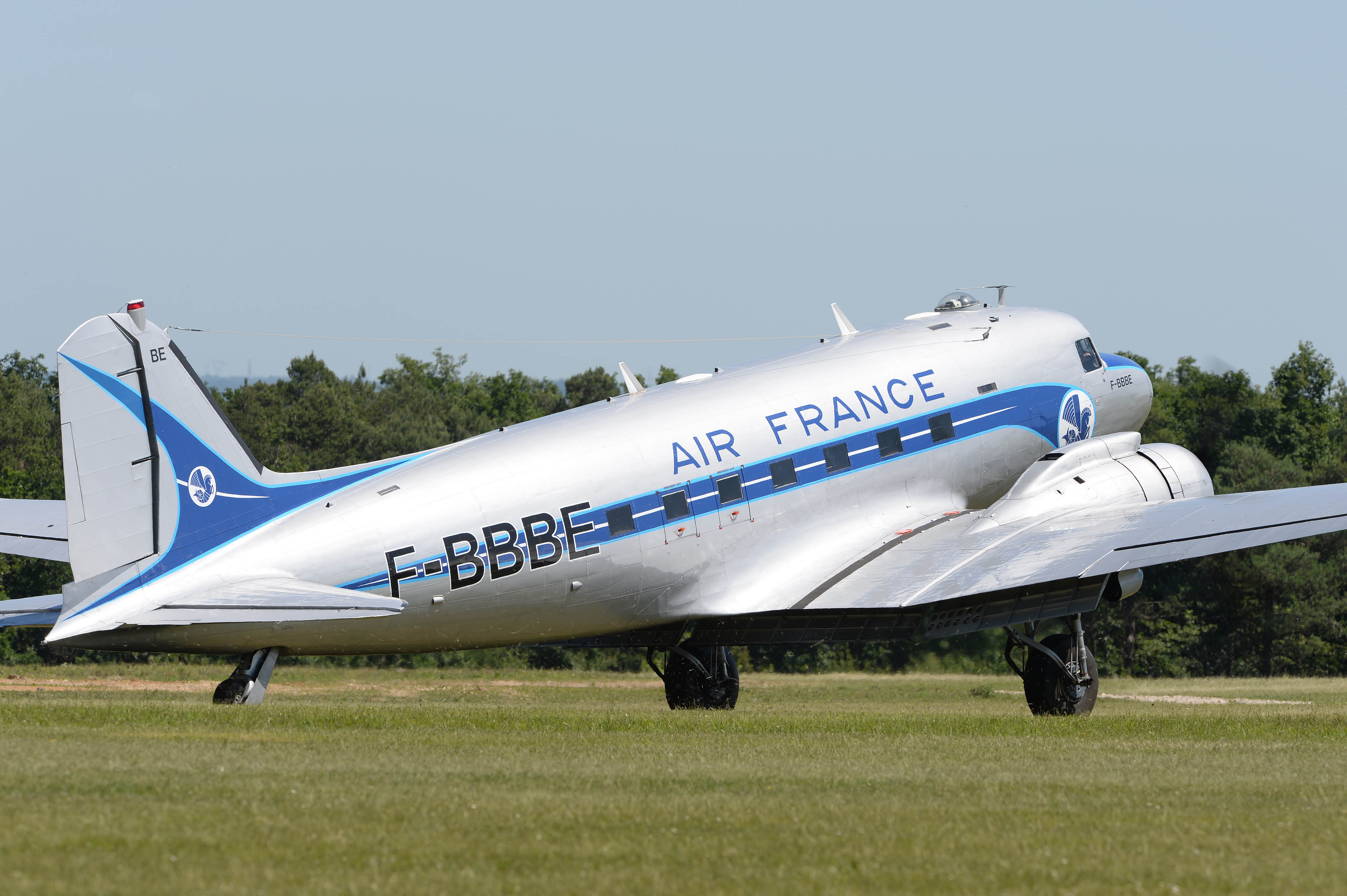 france-dc-3_09