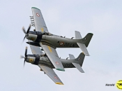 AD-4N Skyraider FFW et Vega (C.Burnelière)
